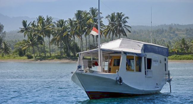 Cruise with Classic Wooden Boat 4D/3N start from Lombok