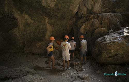 Batu Cermin Cave Labuan Bajo