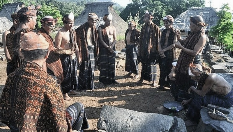 Ende Tribe Cultures » Komodo Wisata