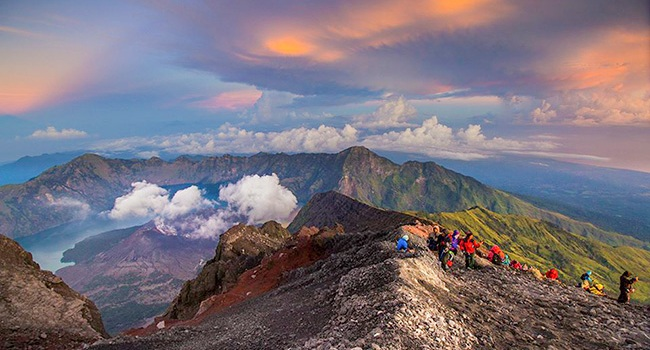 Morning View Mount Rinjani 3.726 M in Lombok