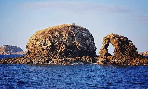 Top 10 Komodo National Park Dive Sites, Batu Bolong