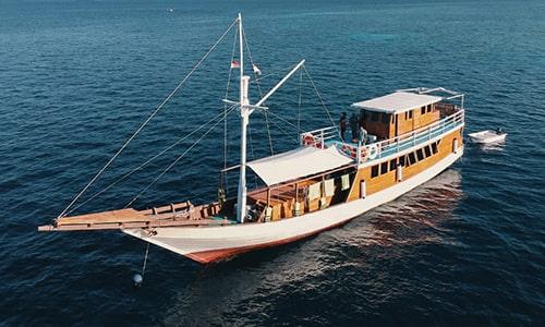 Segara Private Phinisi Yacht Charter